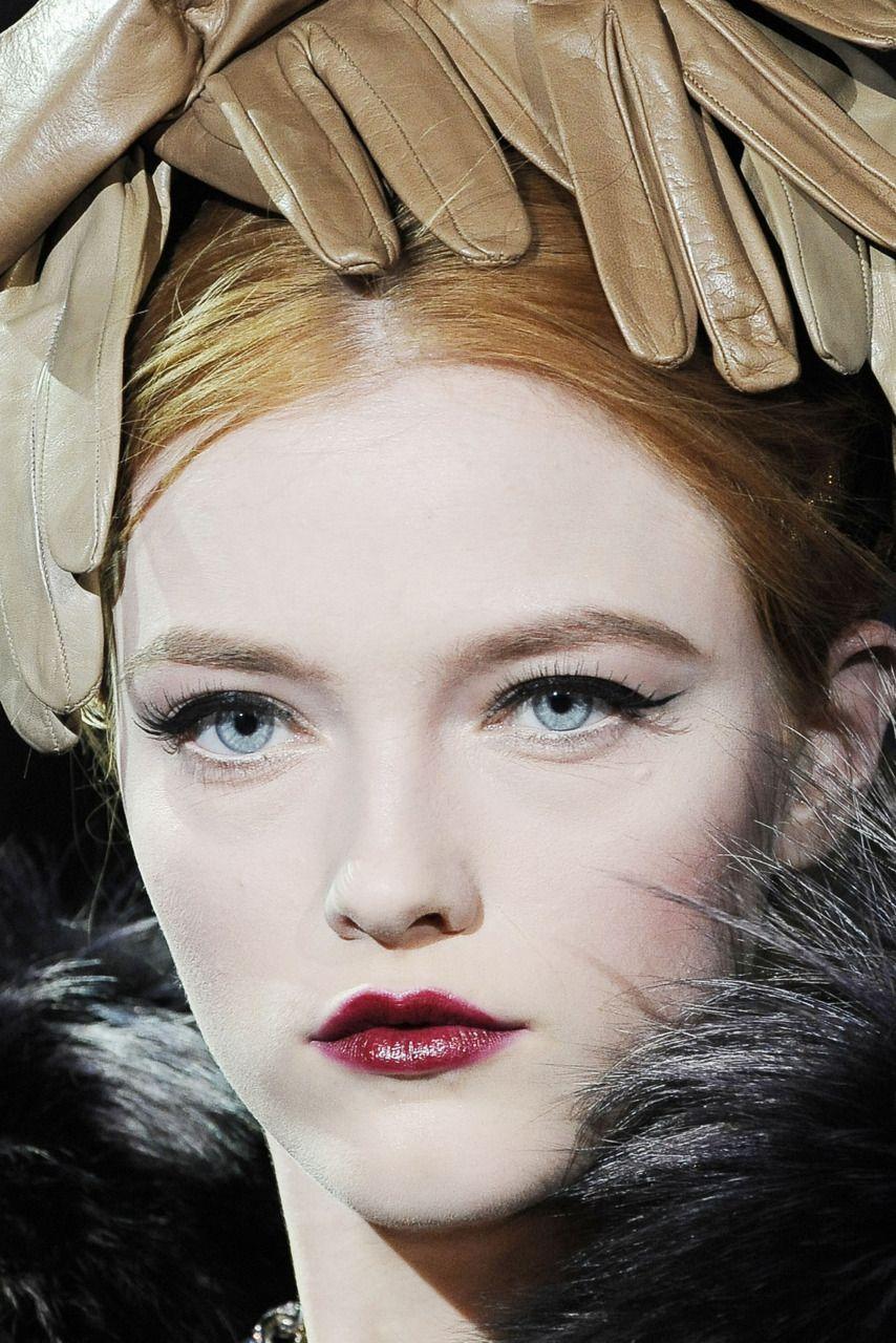 Dolce Gabbana FW 09/10 RTW details Beauty lookbook