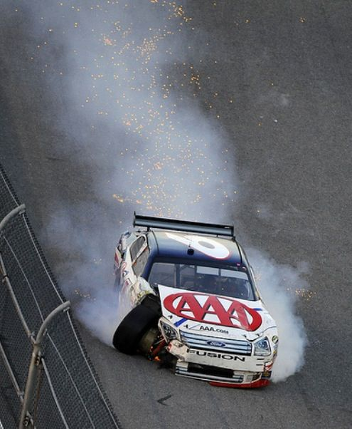David Ragan Crashes In A 2007 Nascar Race