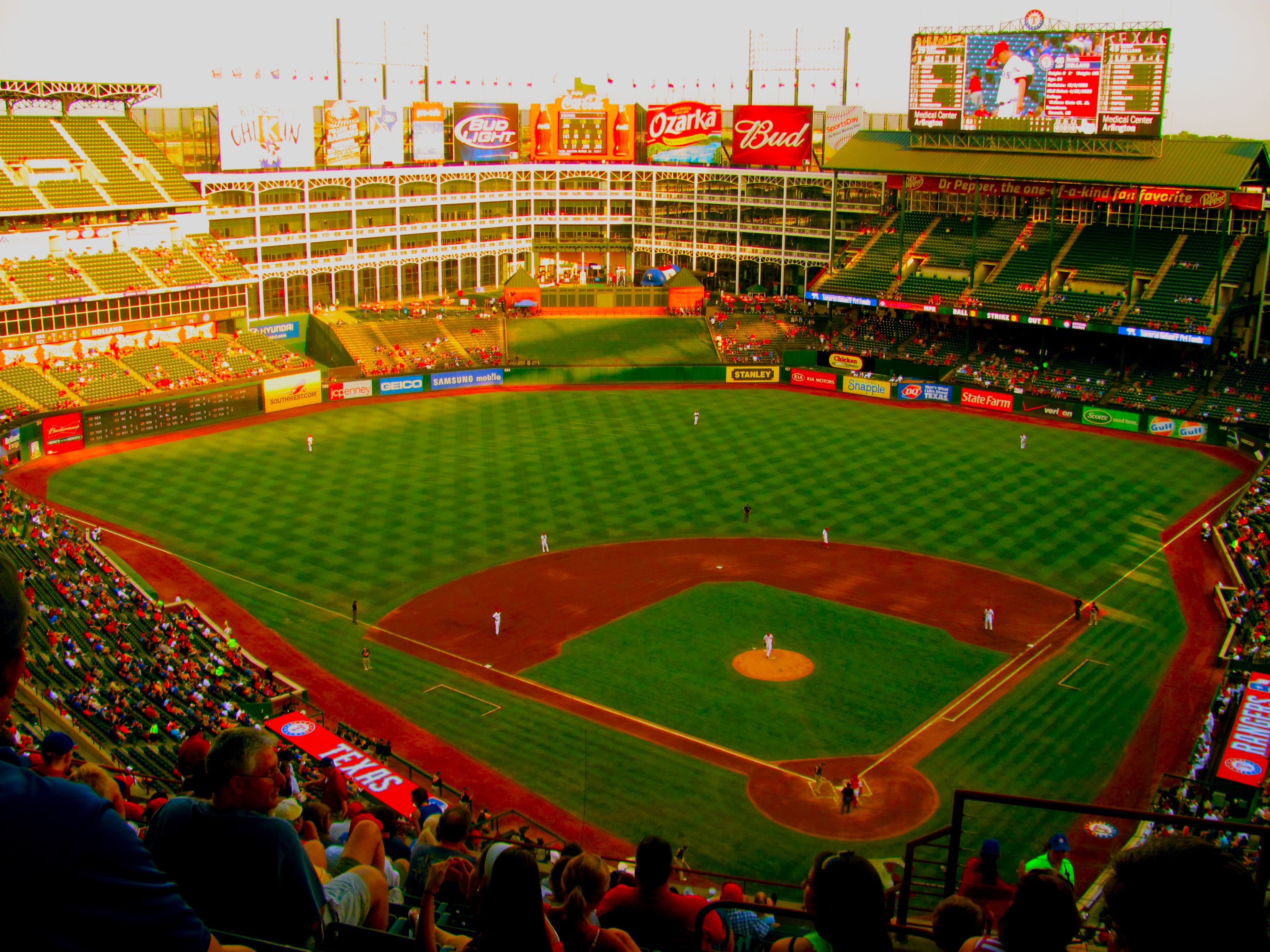 The Ballpark In Arlington Beautiful Ballpark Great Team And The Venue Of An Unforgettable Sto Texas Rangers Ballpark Texas Rangers Baseball Ranger Stadium