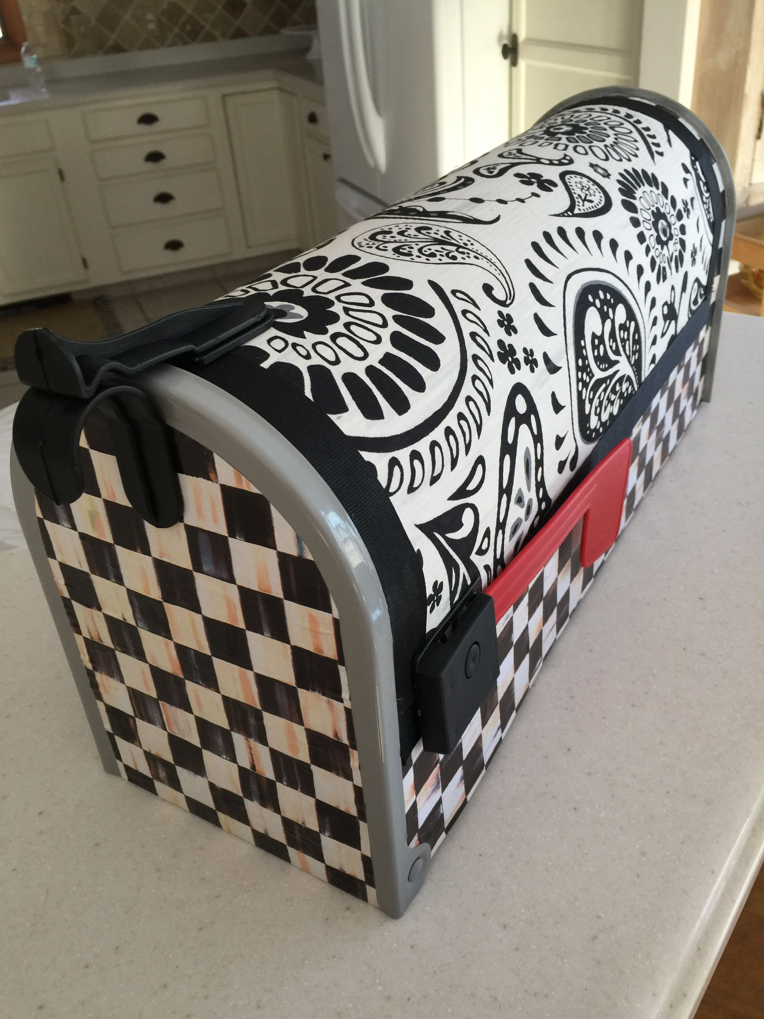 Pin by Kellee Keating-Kucewicz on Mackenzie childs ...  Funky Painted Mailboxes