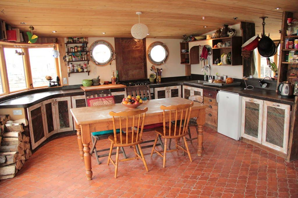 Check out this awesome listing on Airbnb: Houseboat Rebus