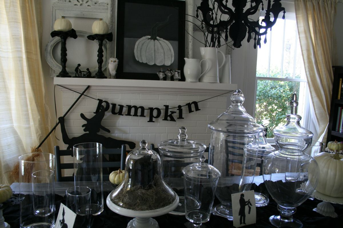 Black and white decorating ideas with bright orange or red color - Inside Halloween Decorations