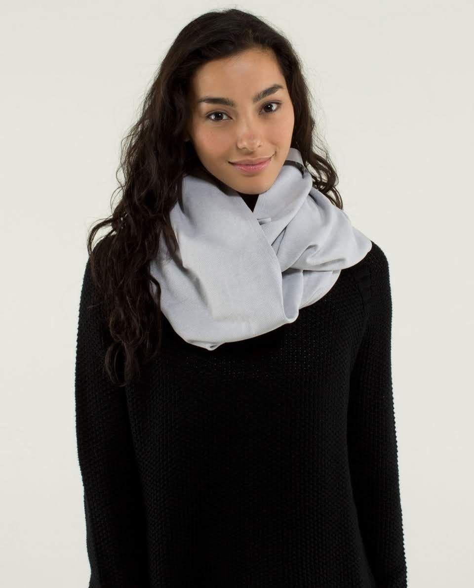 Lululemon Vinyasa Scarf in Wee Stripe heathered medium grey and white