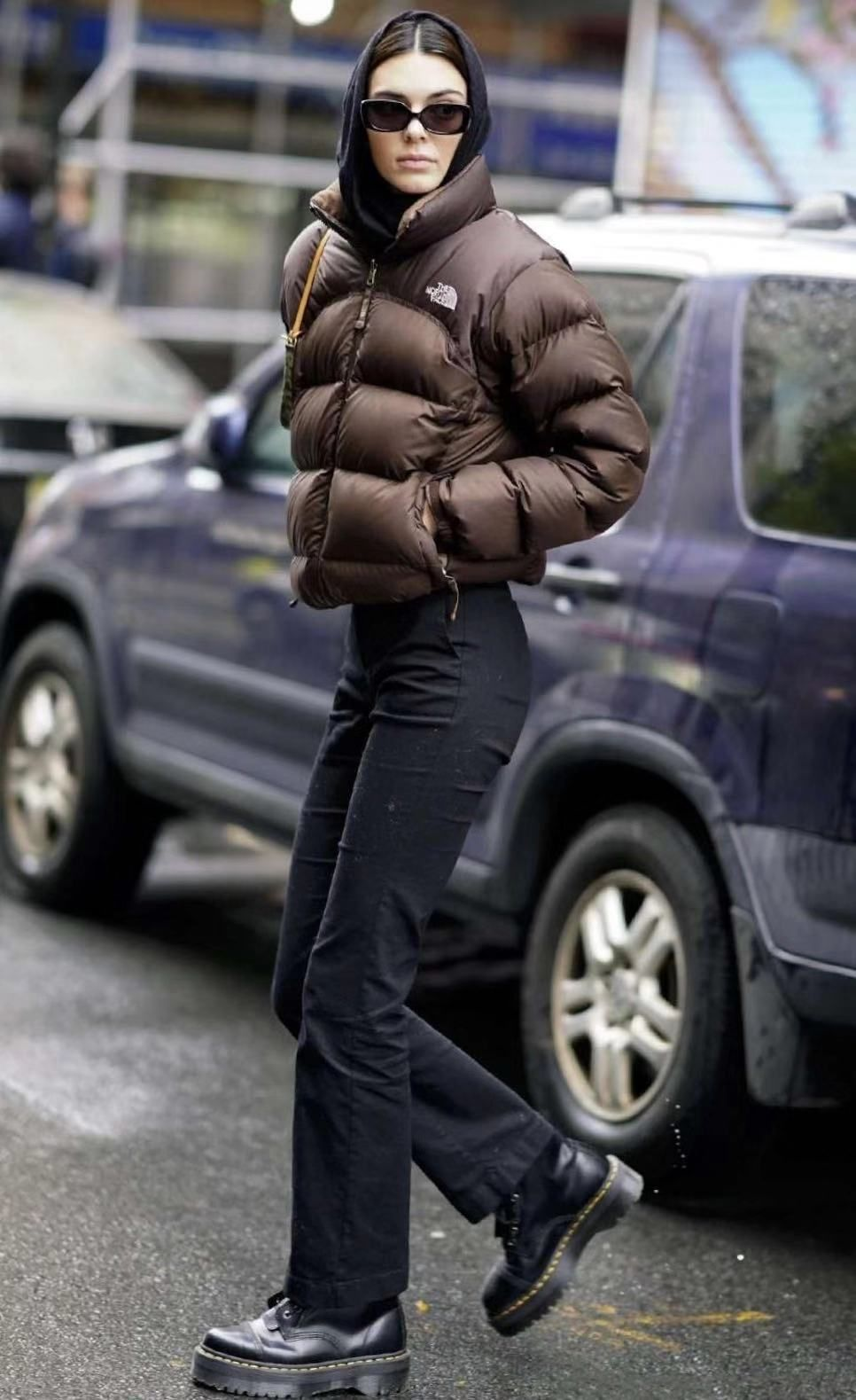 Kendall Jenner In Nyc Streetstyle Streetwear Ootd Top The North Face Shoes Dr Martens North Face Jacket Outfit Brown North Face Jacket North Face Jacket [ 1579 x 966 Pixel ]