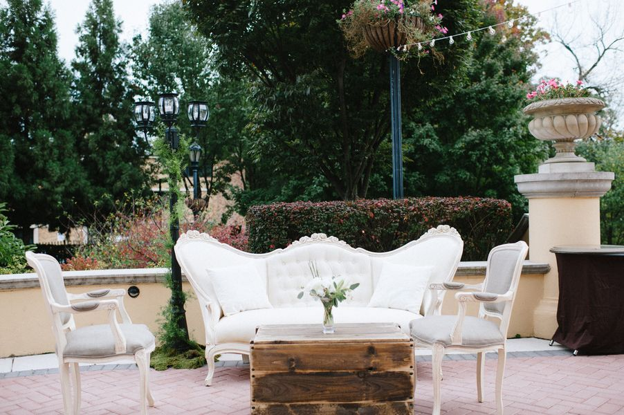French Country Wedding Decor 550x365 French Country Chic DC Wedding ...