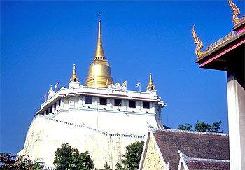 Image from http://www.dhammathai.org/watthai/bangkok/pic/watsaket1.jpg.