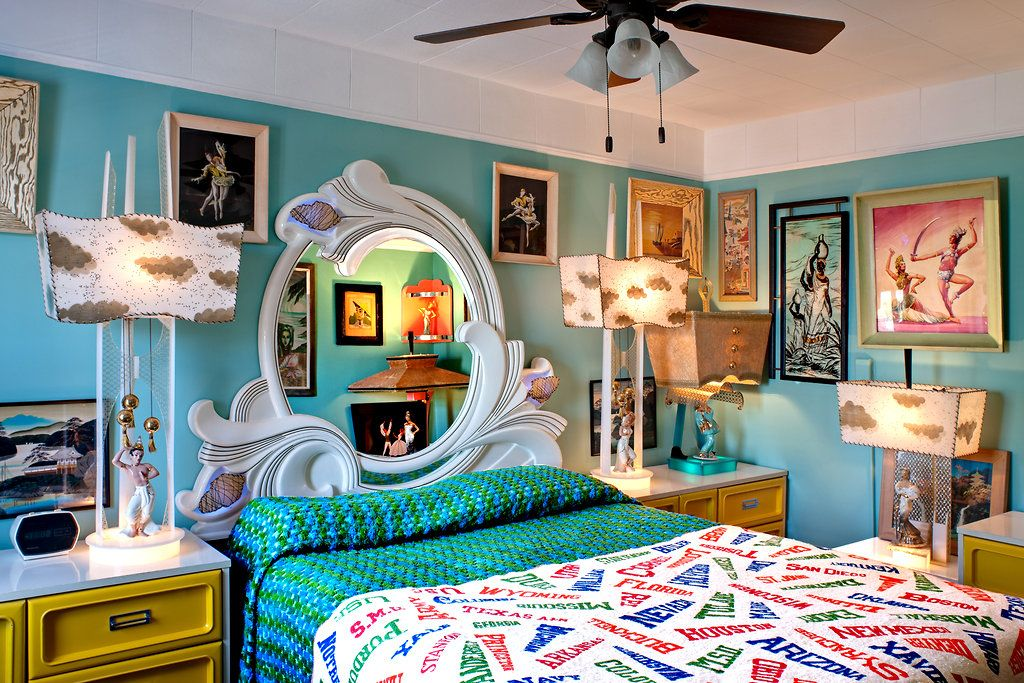 A bedroom filled with '50s décor. Photo Bruce Buck for
