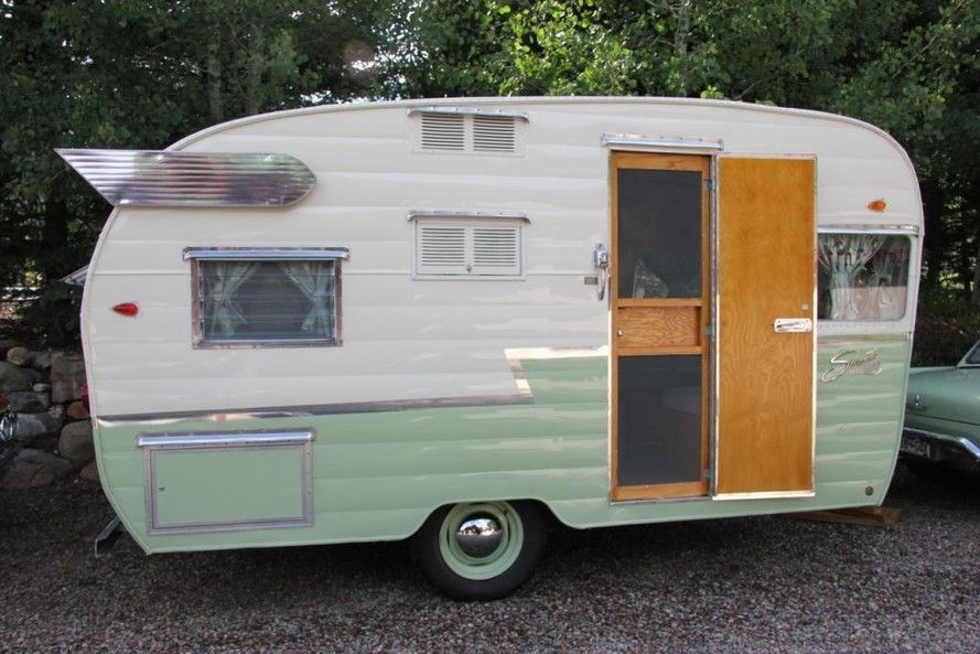 Camp Trailers For Sale >> Retro Trailer Design 1961 Shasta For Sale Howard Family