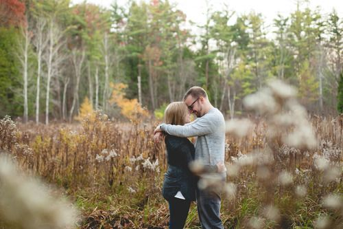 Laurenda Marie Photography | Couples | Engaged | Fall | Fall color | Lifestyle photography | couples pose
