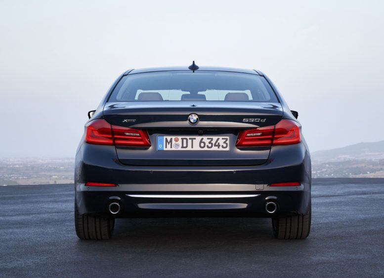 2017 Bmw 5 Series Sedan Saloon Review Offers More Than Expected