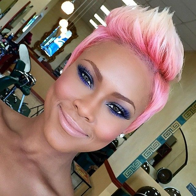 STYLIST FEATURE| Bold color by #DMVSalon @salonchristol This pink to blonde ombre #pixiecut on @laneacierra is EVERYTHING Flawless makeup by @rennyvasquez #VoiceOfHair ========================= Go to VoiceOfHair.com ========================= Find hairstyles and hair tips! =========================