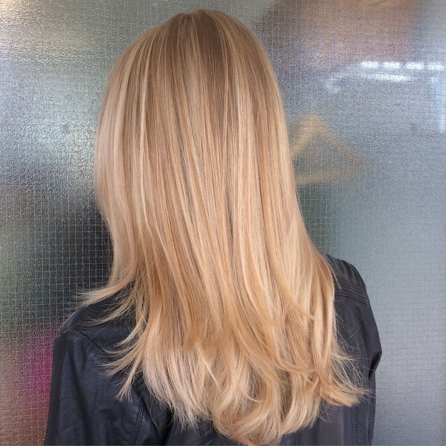 Goldblond long hair with balayage highlights ...