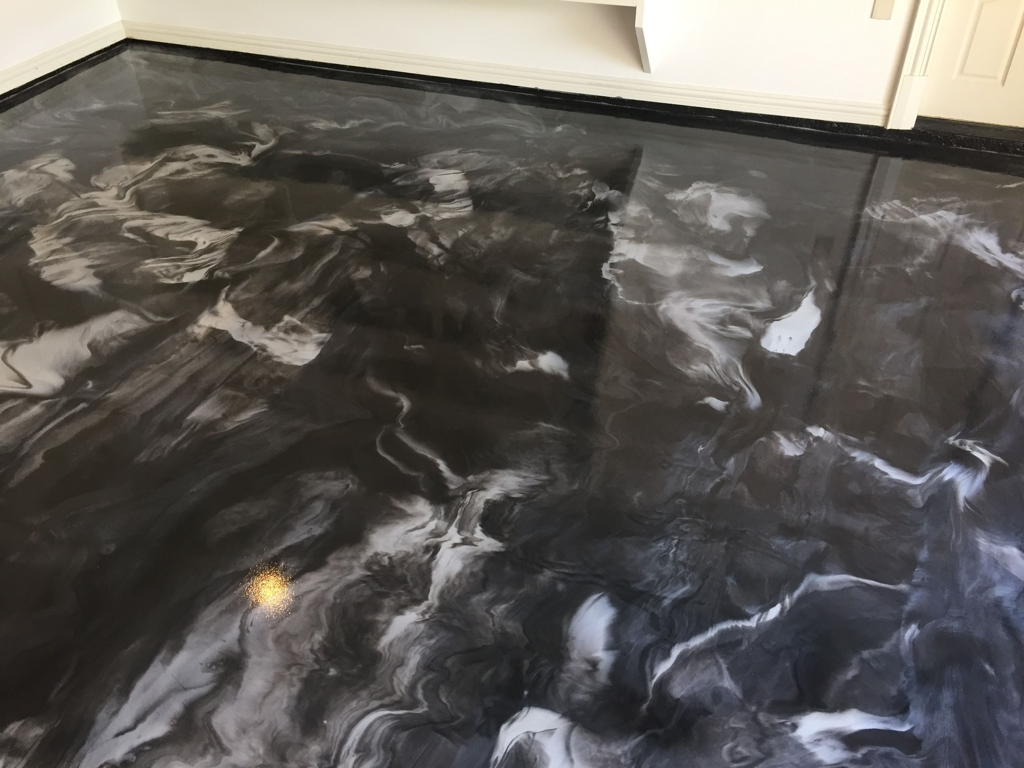 Add the wow factor to your garage with one of our metallic epoxy