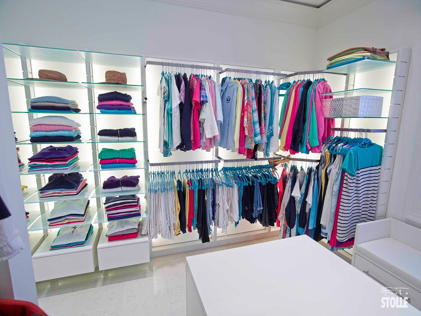 Ankleidezimmer Begehbarer Kleiderschrank Offener Kleiderschrank Schreinermob Begehbarer Kleiderschrank Regalsystem Begehbarer Kleiderschrank Ankleide Zimmer