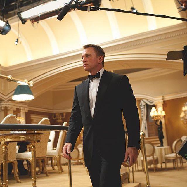 Age pour regarder casino royal poker joker irregular choice
