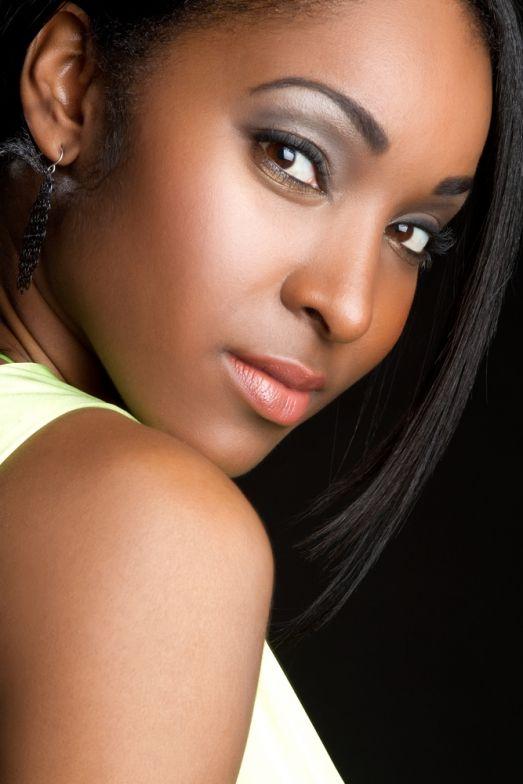 maquillage yeux marrons fonc s peau noire price pinterest yeux marron fonc maquillage. Black Bedroom Furniture Sets. Home Design Ideas