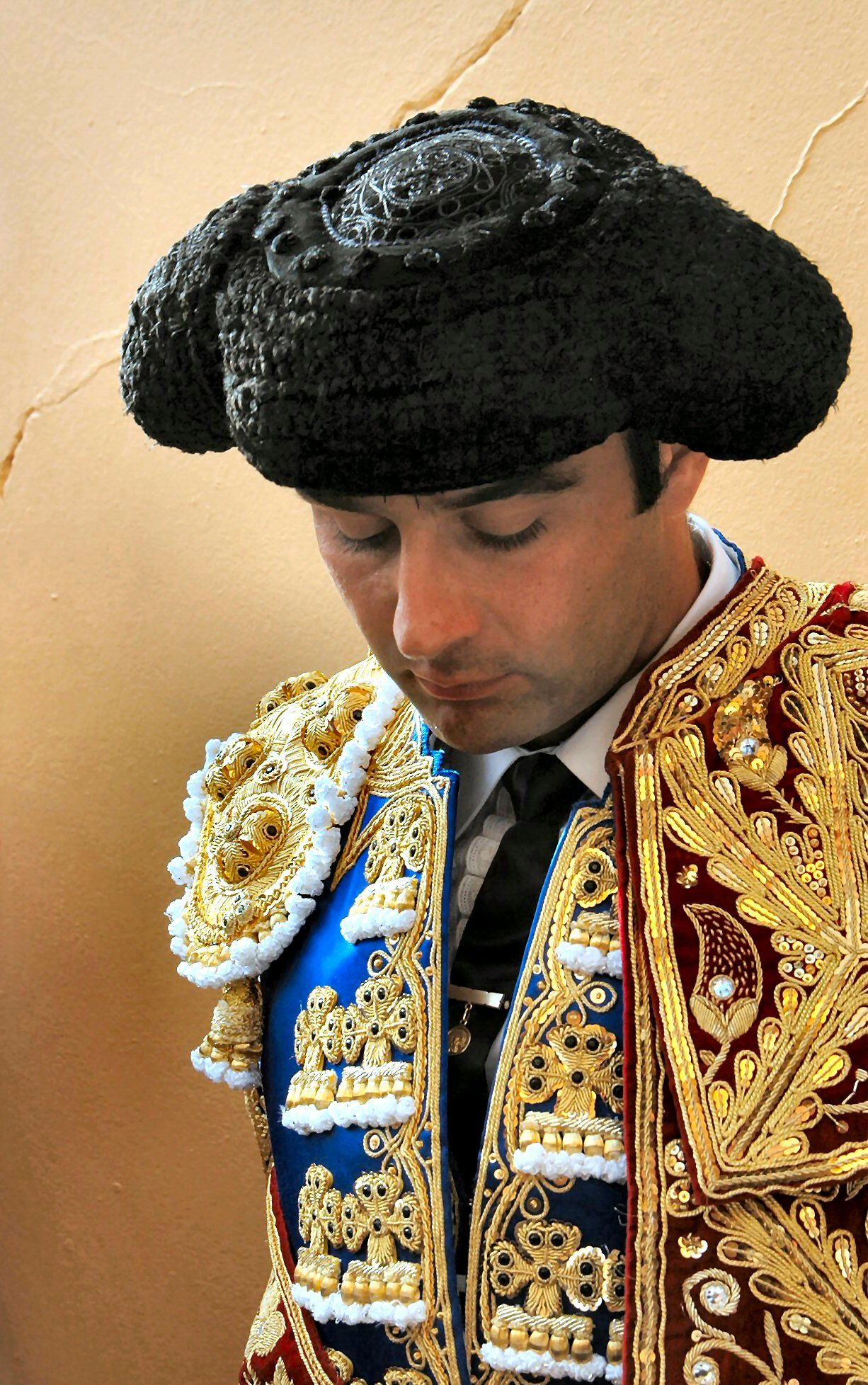 Top 5 peculiar hats from around the world – backpackerlee   Traditional Hats From Around World