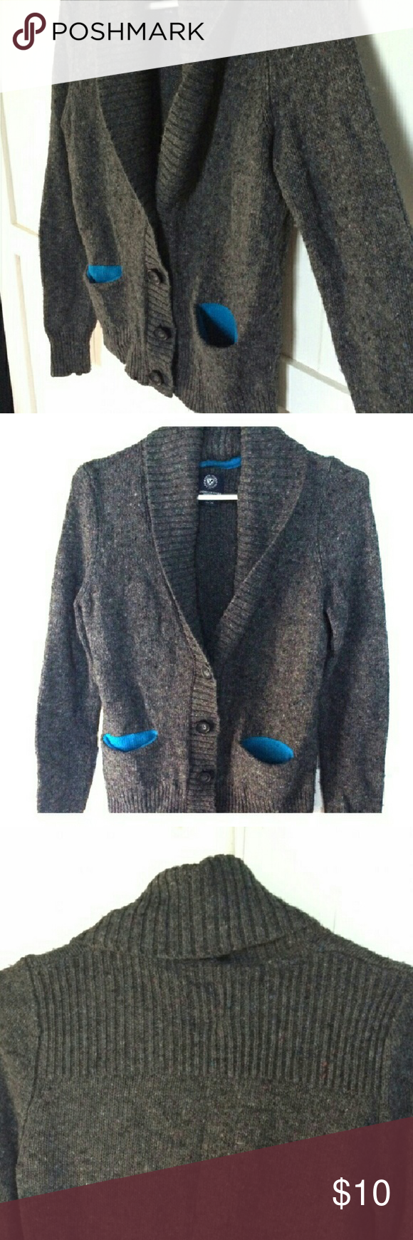 American Eagle cardigan Warm and cozy button up cardigan with blue detail in the pockets, EUC American Eagle Outfitters Sweaters