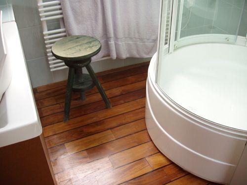 wwwpremibel-parquet image-new teck-pont-de-bateau-salle - teck salle de bain sol