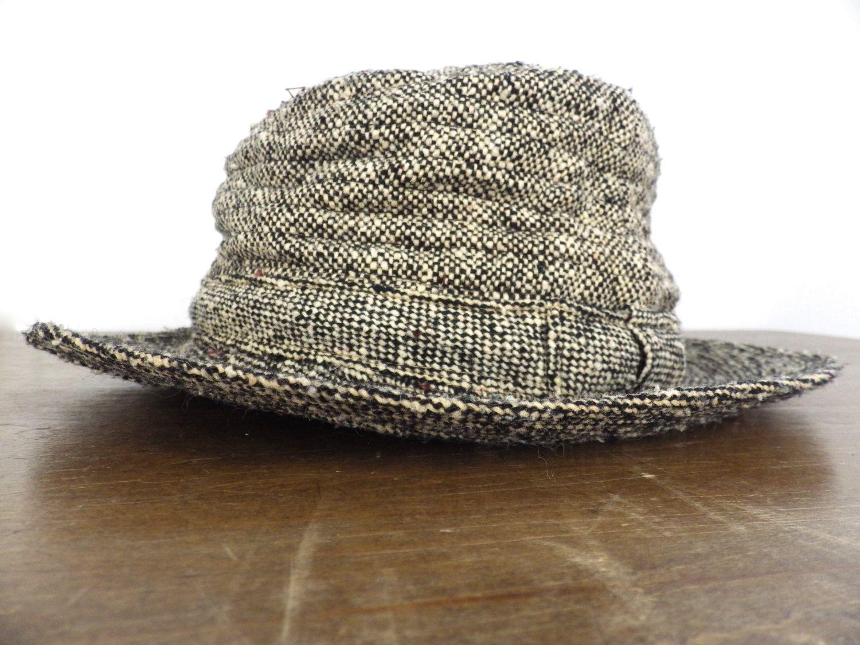 57bdd8f7a9f31 Vintage Irish Tweed Fedora Wool Walking Hat - Black Cream Speckled - Made  in Ireland by Millars - Pure Virgin Wool - Round - Quilted Interior S by ...