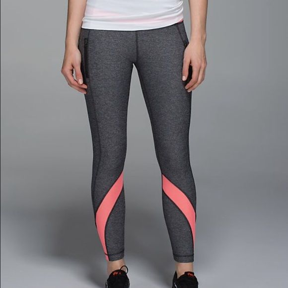 54e55a61a8 Lululemon Inspire Tight II Mesh (SIZE:4) SIZE : 4 COLOR : HBLK/GRPF 1. This  7/8- length tight is the sister style to your favourite Inspire crop. 2.