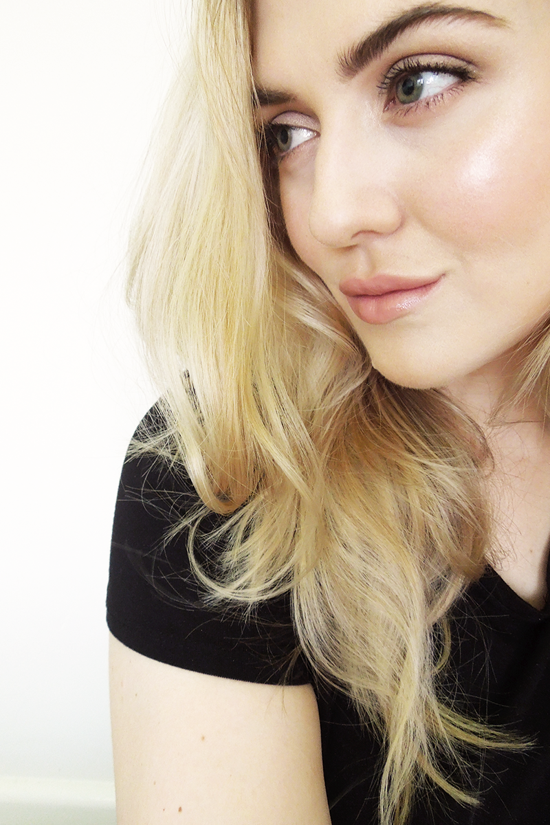 Beauty Wanderer: Becca Backlight Priming Filter Review