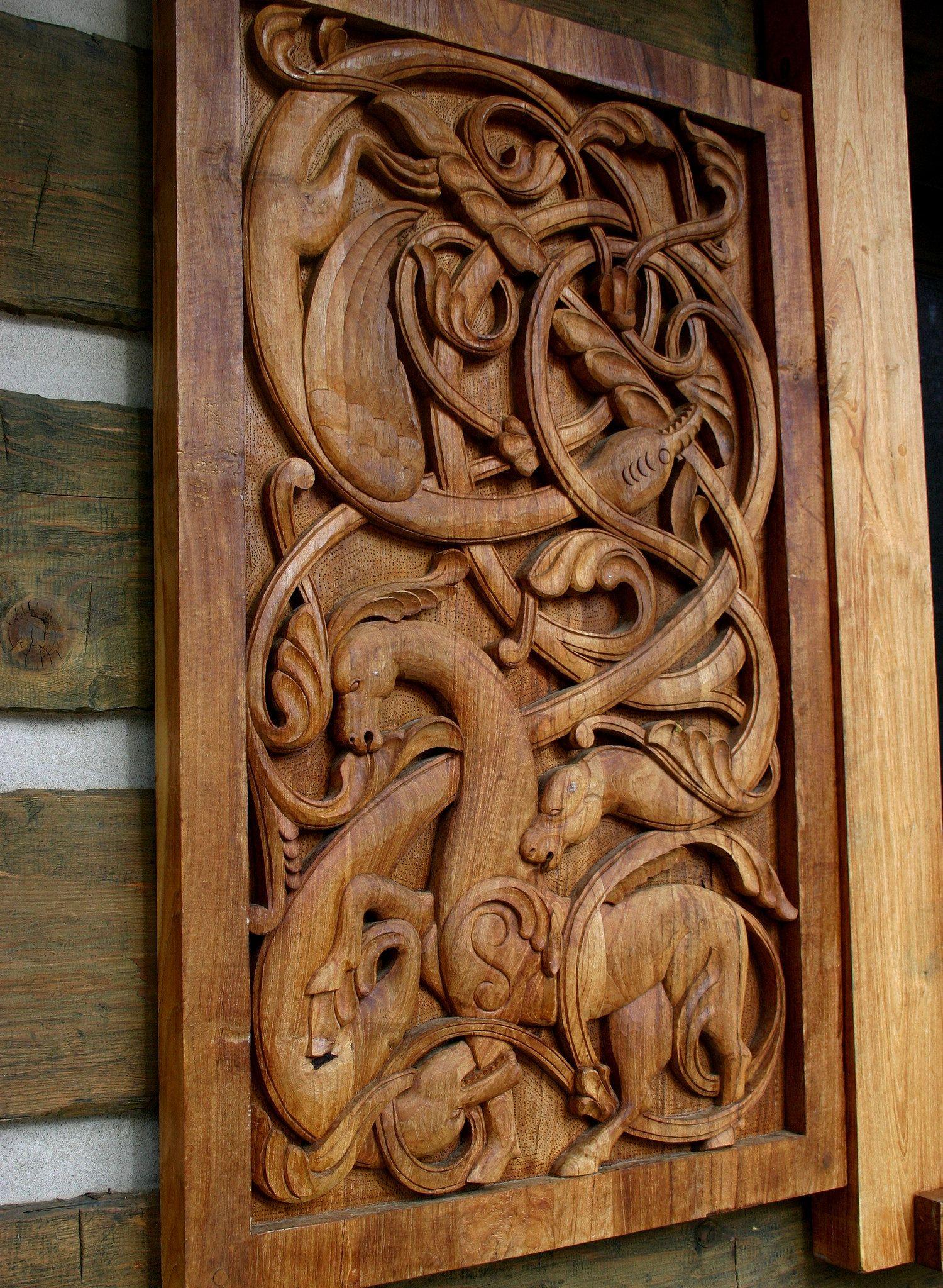 Viking dragon carving in scandihoovia
