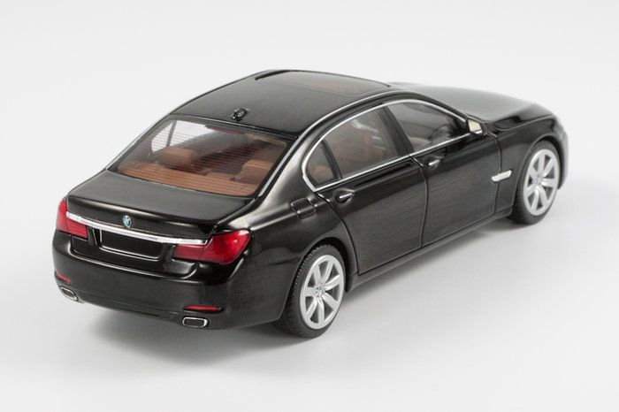 BMW 7er  Minichamps in 1:43