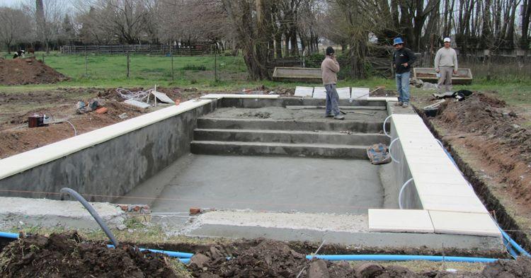 Piscinas de hormigon dise o pinterest piscina de for Diseno y construccion de piscinas de hormigon