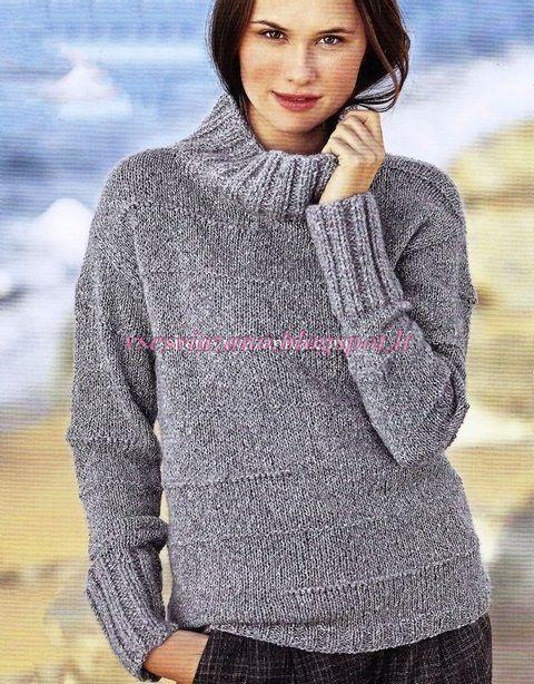 d47921ea194 Удобный и простой вязаный свитер. Свитер связан спицами. связать такой  свитерок может даже начинающая вязальщица. Описание и выкройка