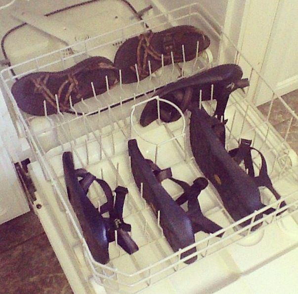 So You Can Clean Your Chacos By Putting Them In The Dishwasher Interesting Chacos How To Clean Chacos Cleaning