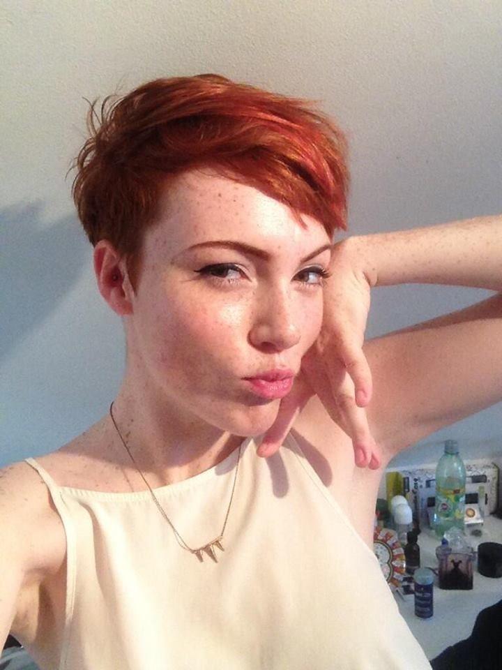 Chloe Howl coupé et couleur Cheveux courts, Coupes