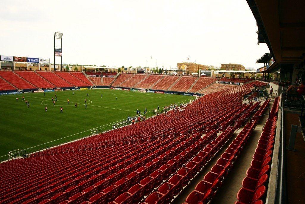 10 Biggest High School Football Stadiums In Texas Stadium Football Stadiums High School Football