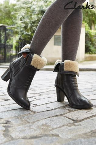 clarks fur lined boots