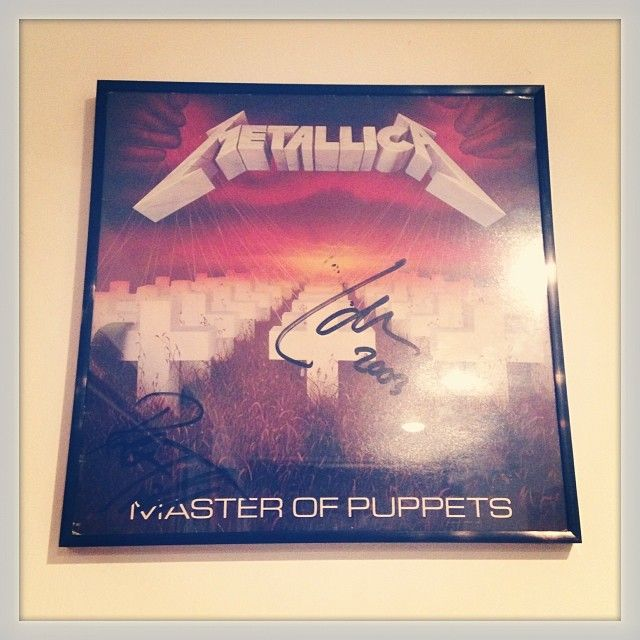 Metallica - Master of Puppets 1986 vinyl autographed by Lars Ulrich and Robert Trujillo finally hanging on my wall.