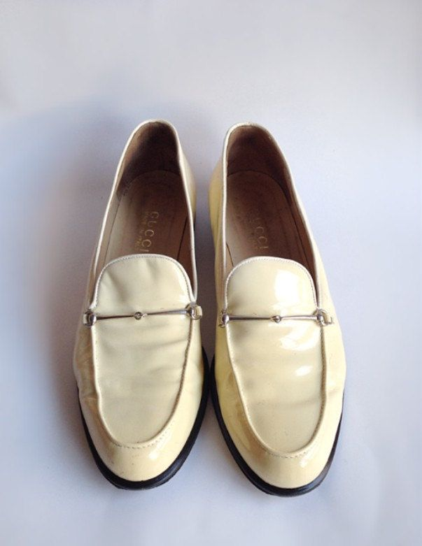 bb4cfa798ef9c Vintage 90s womens Gucci loafers ivory cream patent leather silver ...