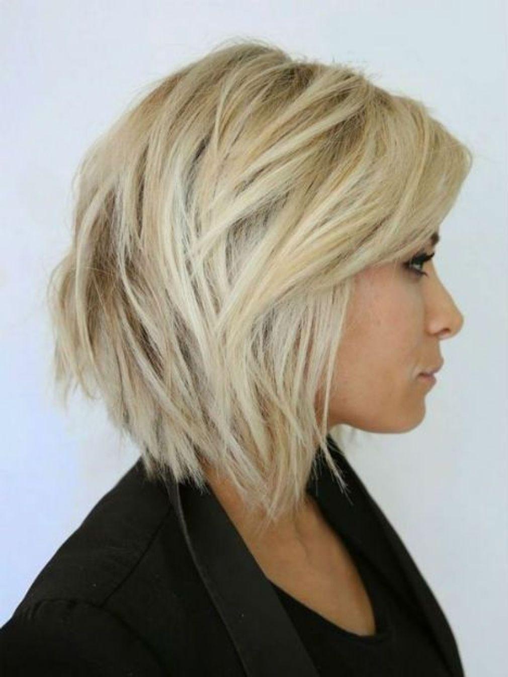 Coiffure Carre Plongeant Degrade Coiffure Carre Plongeant Coupe De Cheveux Cheveux Mi Courts
