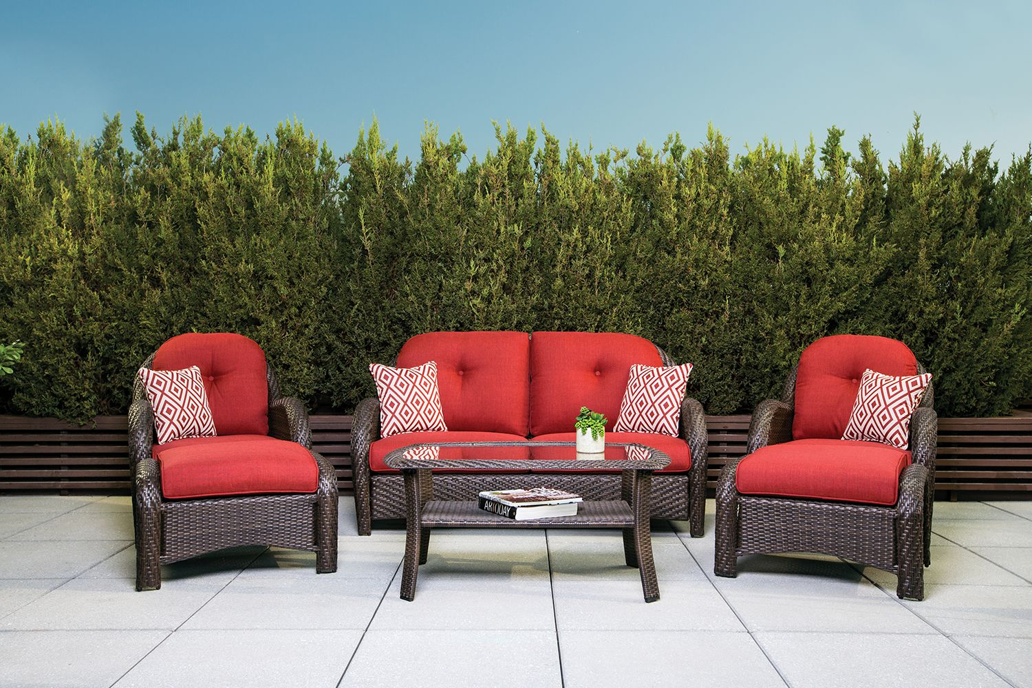 La Z Boy Outdoor Avondale Seating Collection
