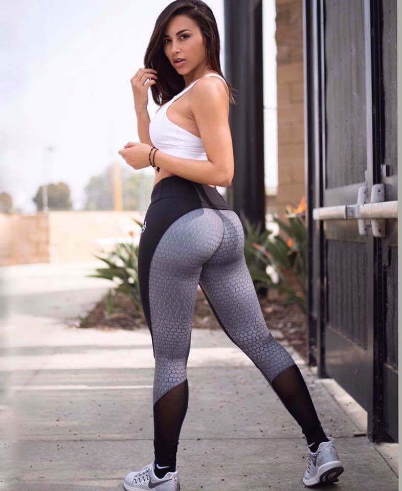 Sexy Latinas In Tight Jeans
