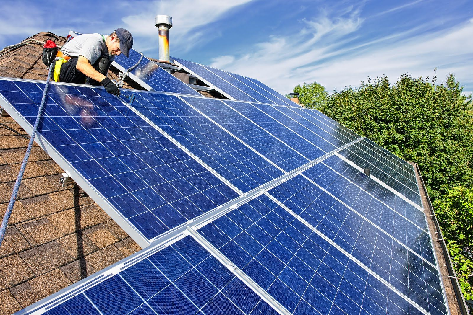 Cost Effective Installing Solar Panels Could Save You Around 1000 A Year Just Imagine Over 20 Years You Can Ex Solar House Solar Panels For Home Solar Roof