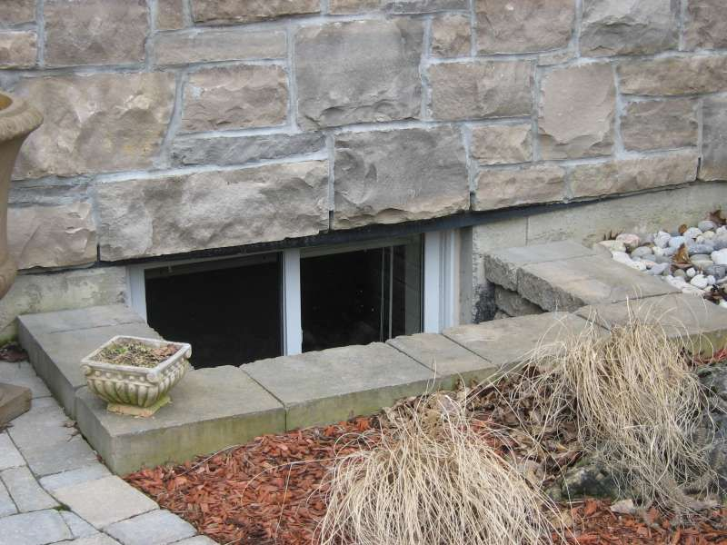 Interlock Window Wells Gorgeous Finishing Touch Window Well Diy Concrete Driveway Poured Concrete Patio