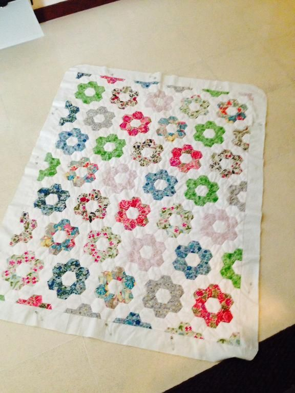 You have to see Liberty Hexagon Quilt by Miss Purl! | Hexagons ... : finishing a hexagon quilt - Adamdwight.com