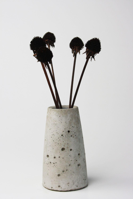 Beton Vasen Selber Machen diy konische beton vase mit löchern selber machen basteln und