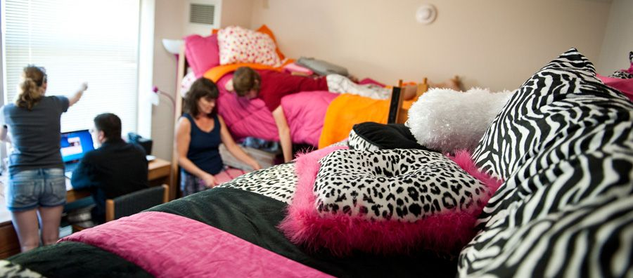 30 inspiration blogs for dorm rooms