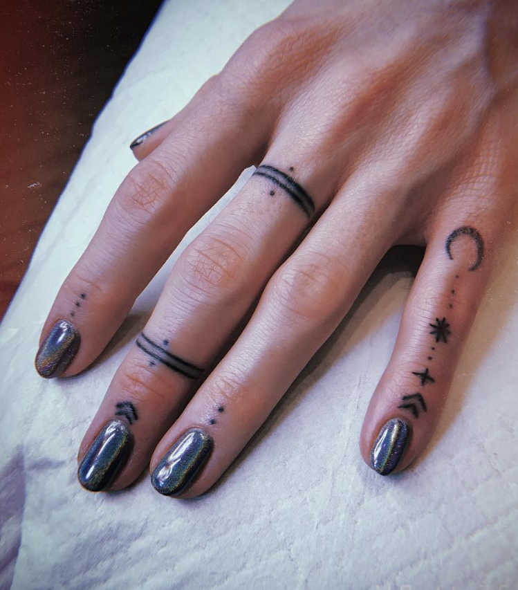 Photo of 54 Exquisite Tiny Finger Tattoo Ideas of Minimalist Ink For Woman  Finger Tattoo…