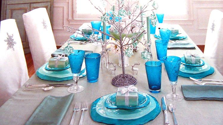 my dream holiday table. (all most there). Annieglass