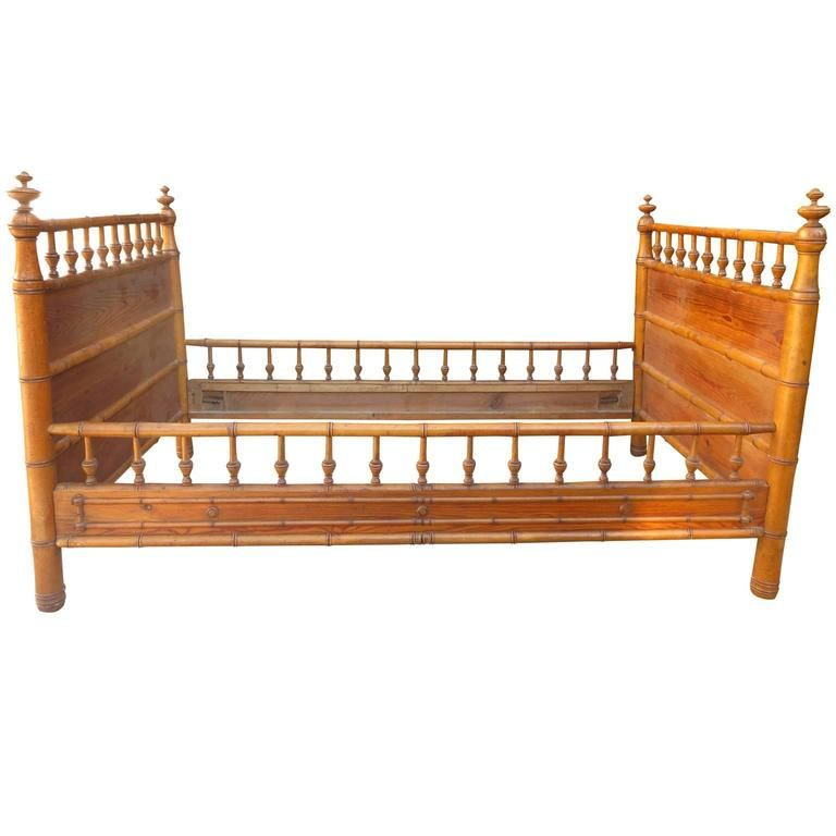 Late 19th-Early 20th Century Faux Bamboo Daybed in the Style of