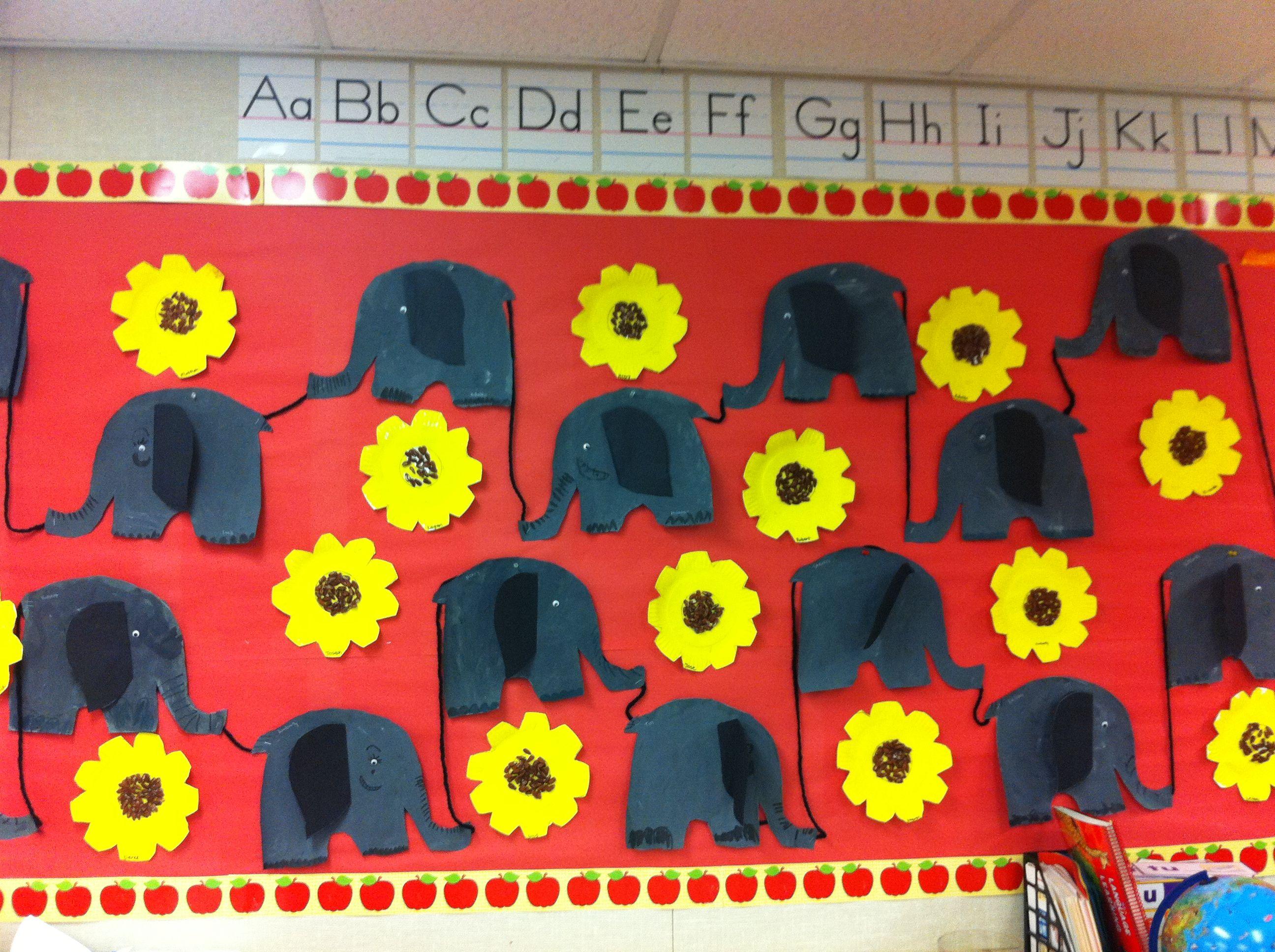 Elephant Bulletin Board We Made These Elephants After Reading The Big Book Splash Elefante