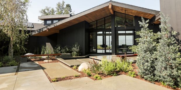 Modern Rustic Homes With Black Exteriors Mountain Modern Life Rustic Houses Exterior Modern Rustic Homes House Exterior