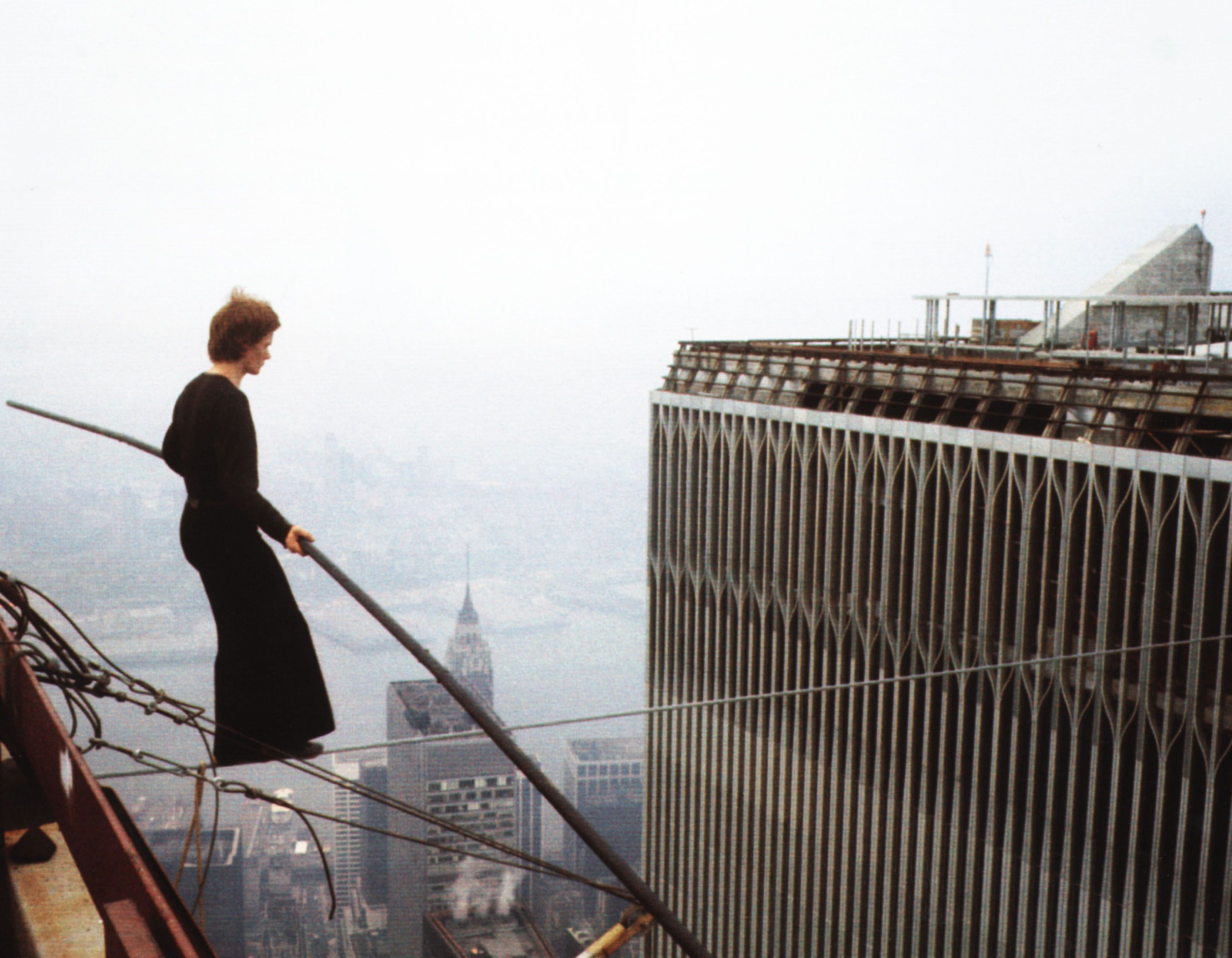 Philippe Petit\'s real-life walk between the twin towers – in ...